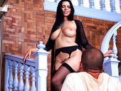 Busty sex goddess Kira Queen gives her head and gets her cunt rammed