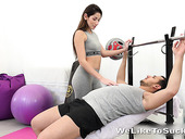 Sex-starved babe Vinna Reed seduces one man at the gym
