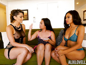 Alix Lovell, Anya Ivy and Lucky Starr are playing with one vibrator