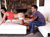 Stepsister and stepbrother get nasty when no one is home