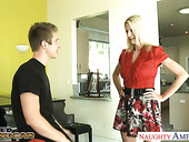 Fearless mature woman Emma Starr bangs young guy sneaking into her house