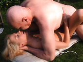 Pensioner fucks pretty young blonde after blowjob in the garden