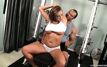 Fabulous babe Nika Noire and brutal Sledge Hammer get horny in the gym