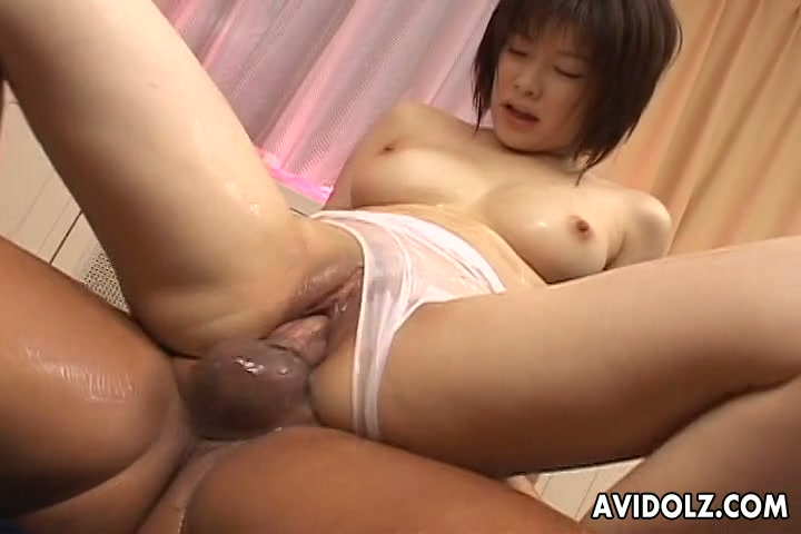 japanese beauty porn pose