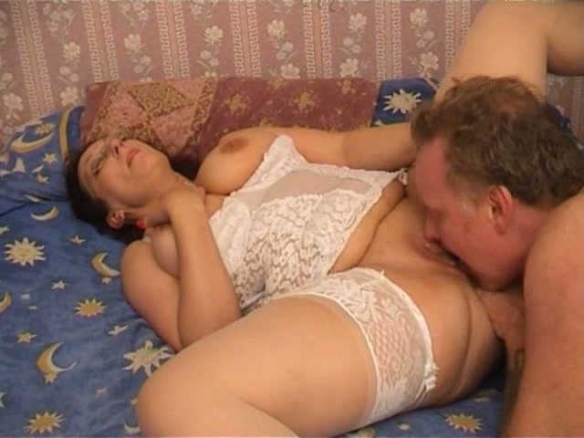 Mature having missionary sex pics