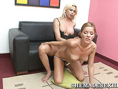 Hussy  shemale blonde fucks her girlfriend
