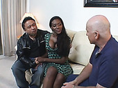 Gorgeous ebony  babe  Naomi Sanders likes it deeper