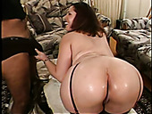 Phat booty of brunette floozy Delilah gets fucked balls deep