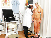 Aroused doctor stretches unused slit of mom Simira