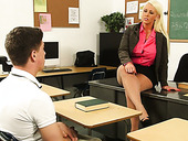 Curvy tanned teacher Alura Jenson wanna seduce her naughty student for sex