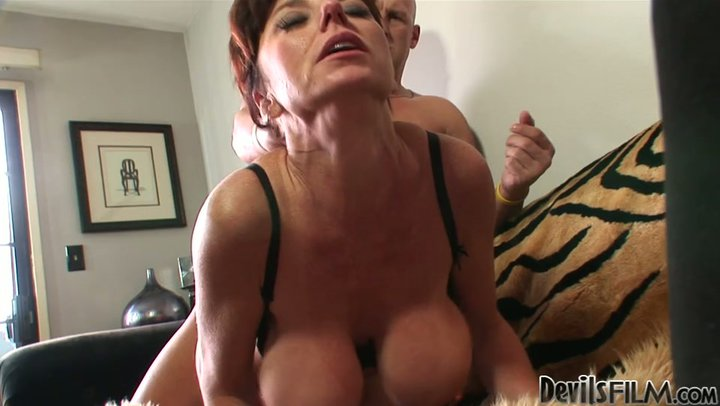 Busty mature women having sex the amusing